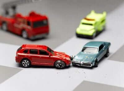 การลดอุบัติเหตุทางรถยนต์ ผู้ขับขี่ควรทำอย่างไร