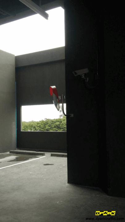 กระจกโค้ง Noble Revolve Ratchada
